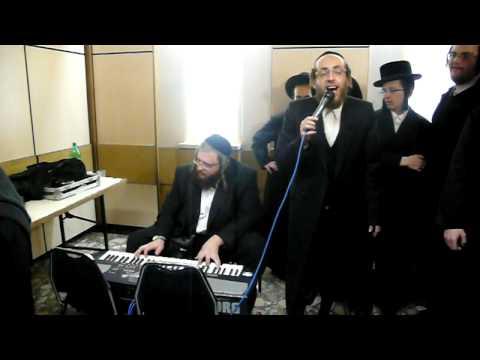 Arele Samet Singing Kurets