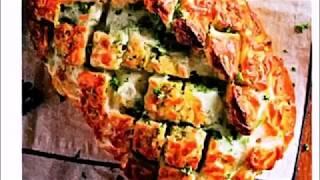 Хлеб, запеченный с сыром и зеленью