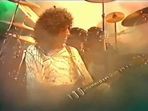 22. In The Lap Of The Gods...Revisited (Queen In Earls Court: 6/6/1977) [Filmed Concert]
