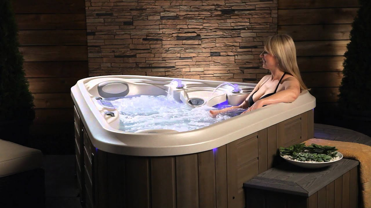 The Rendezvous hot tub from Marquis - YouTube