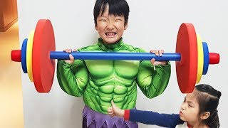 열심히 운동하면 힘이 세져요!! 서은이와 유준이의 공놀이 스포츠 헬스 자전거 히어로 헐크 Stronger Man like Hero