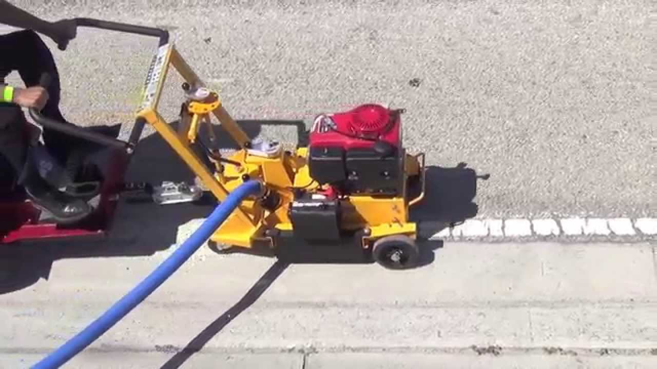 Thermoplastic Edge Line Removal With Smith Lnx8 Rotary