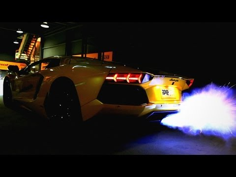 Lamborghini Aventador LP700-4 LOUD REVVING! - 1080p HD