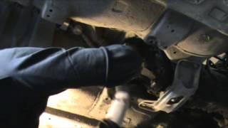 Subaru Impreza GC8. Снятие КПП и сцепления.