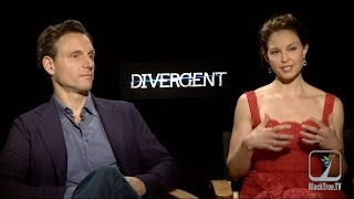 Ashley Judd and Tony Goldwyn discuss DIVERGENT and getting teary eyed