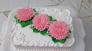 Торт Красный бархат с хризантемами