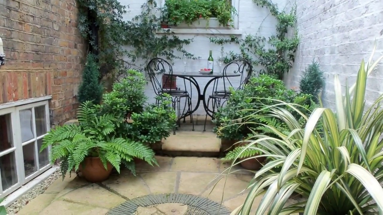 Small courtyard garden ideas uk youtube for Small courtyard landscaping ideas