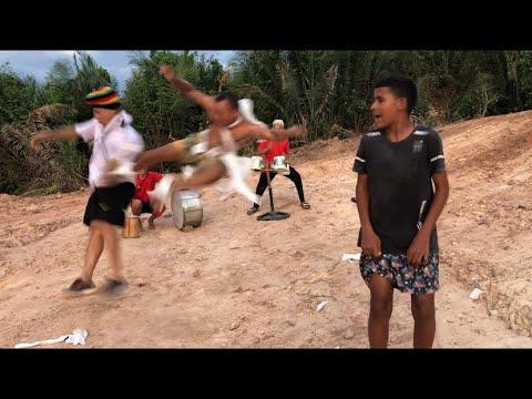 FUNDO DE QUINTAL OFC - BEZERRA DA SILVA - DEFUNTO CAGUETE (VERSION FQ)