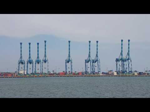 Port klang Malaysia world big port ship