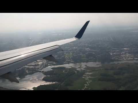 Stunning Landing at LaGuardia Airport, New York City