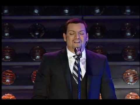 Victor Manuelle - Hay Que Poner El Alma (Live @ MSG)