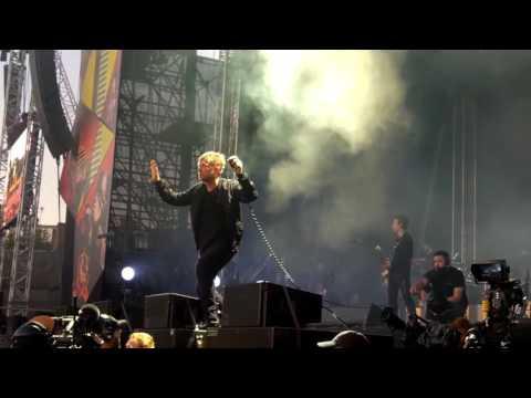 Gorillaz - She's My Collar LIVE Demon Dayz Margate June 2017