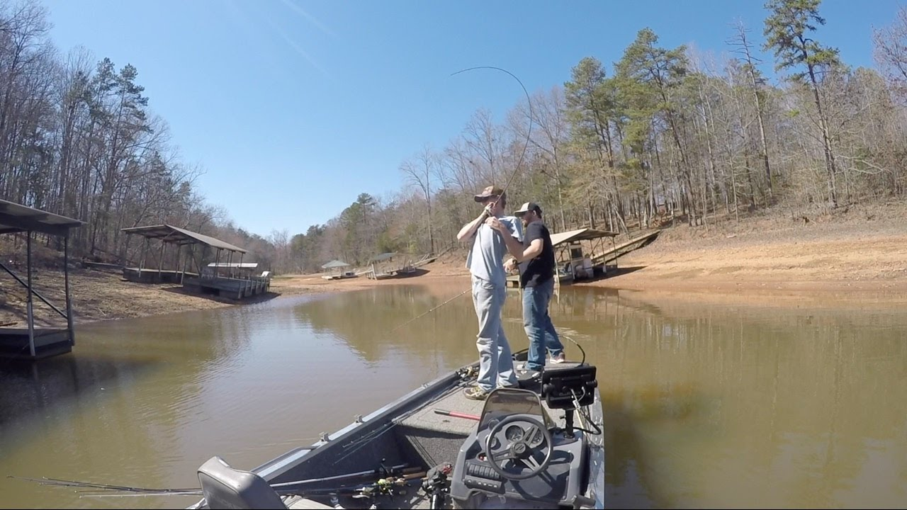 Bass fishing lake hartwell sc youtube for Fishing lake hartwell