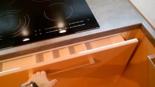 Обзор кухни в стиле хай-тек производства компании KOHNER