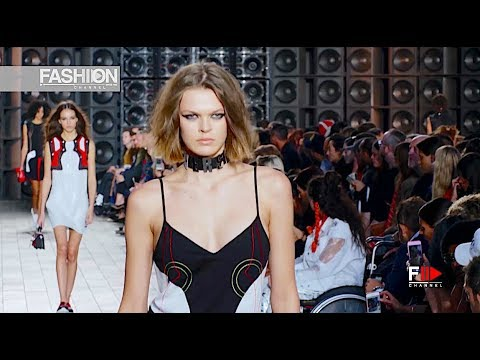 VERSUS Full Show Spring Summer 2018 London - Fashion Channel