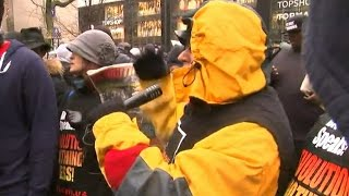 Chicago protests disrupt holiday shopping