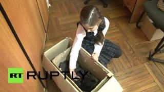 Во Владивостоке сотрудники цирка приютили двухнедельного гималайского медвежонка(, 2015-02-28T08:46:32.000Z)