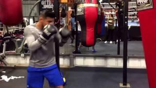 Abner Mares vs Leo Santa Cruz 2 who wins? - EsNews boxing
