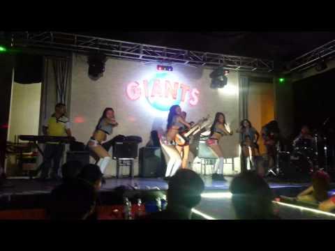 Mocha Girls - Monster Winner Dance Cover at Giants