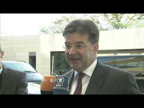 Miroslav Lajčák pred rokovaním diplomatov EÚ