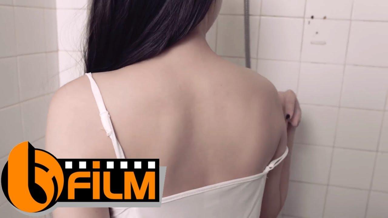 Em tắm không đóng cửa | Phim Sextile Ngắn 2019