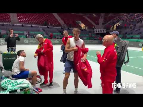 Standing ovations for Rafael Nadal - Davis Cup 2019 HD