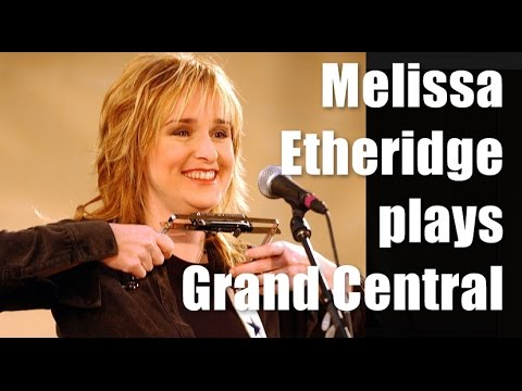 Melissa Etheridge plays Grand Central Terminal |12-16-2001
