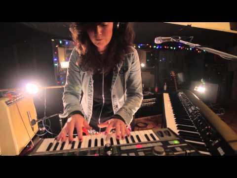 """Katie Day: """"Pursuit Of Happiness"""" (Kid Cudi Cover) Live"""