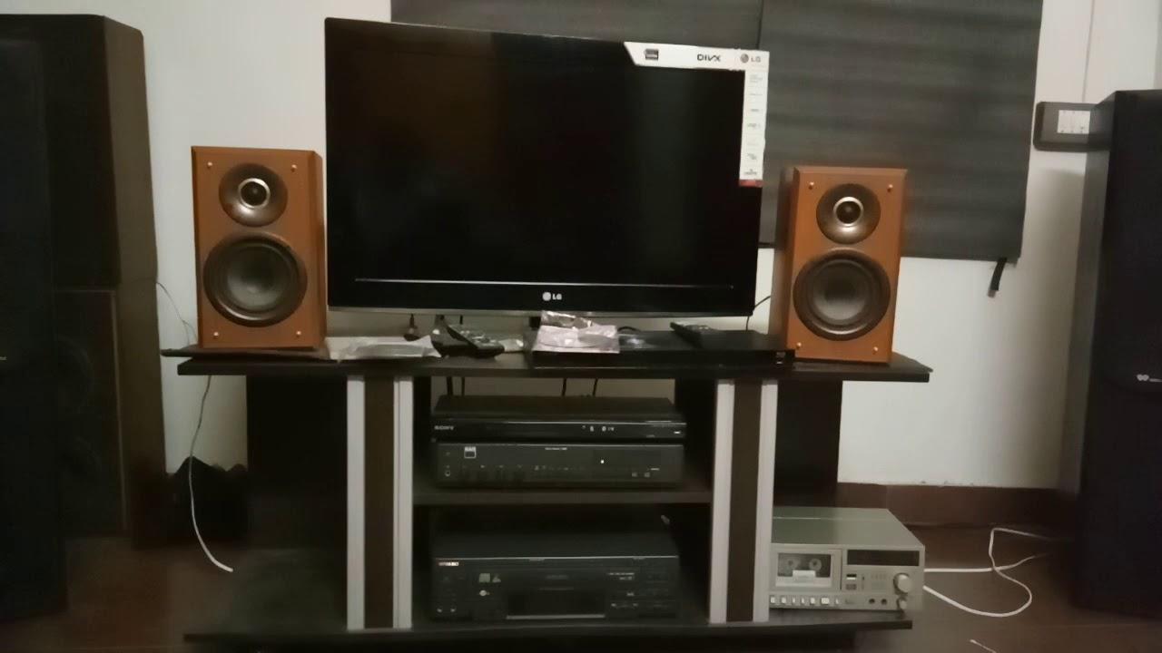 Denon SC f 100 bookshelf speakers and nad 7125 stereo amplifier