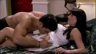 Download Video LIVE SEX ON BED SHOW MP3 3GP MP4