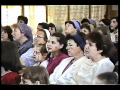 Cantare Tinerii de la Biserica Harul - Zalau - Voi slavii pe mielul gloriei 2016 from YouTube · Duration:  2 minutes 31 seconds