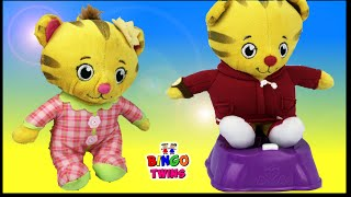 Daniel Tiger Baby Sister PRETEND PLAY w/ Potty training !! Kids Funny Learning Video :))