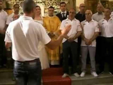 S'aneddu canta il coro Bachis Sulis