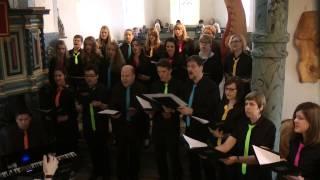 """Der Chor """"Klangfarben"""" singt """"Ihr von Morgen"""" von Udo Jürgens"""