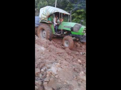 Pity tractor on Khandbari road