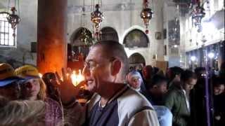 В Храме Гроба Господня в Иерусалиме(15 декабря 2012 года посетили Иерусалим. Когда ждали своей очереди, чтобы поклониться месту, где воскрес Иисус..., 2012-12-21T12:50:13.000Z)