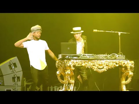 DJ Cassidy - Behind The Scenes Of Usher's UR Experience Tour