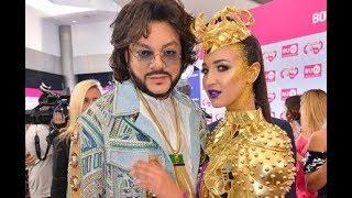 Ольга Бузова опозорила Киркорова на премии RU TV !!! ПОДРОБНОСТИ скандала !!!