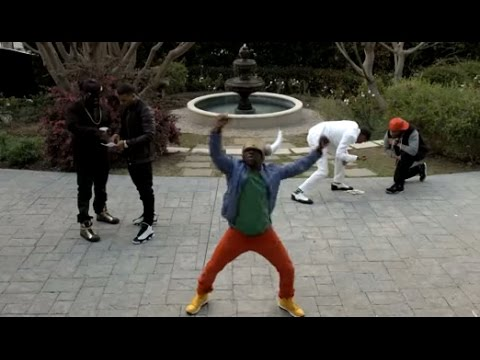 Kevin Hart Does The Harlem Shake