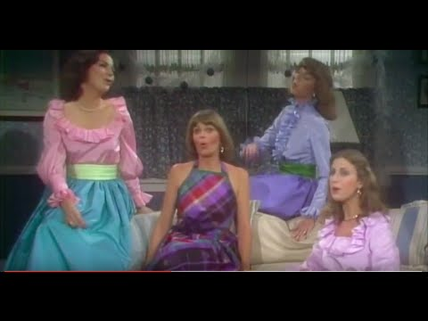 """Toni Tennille and her three sisters sing """"Little Saint Nick"""" 1976"""