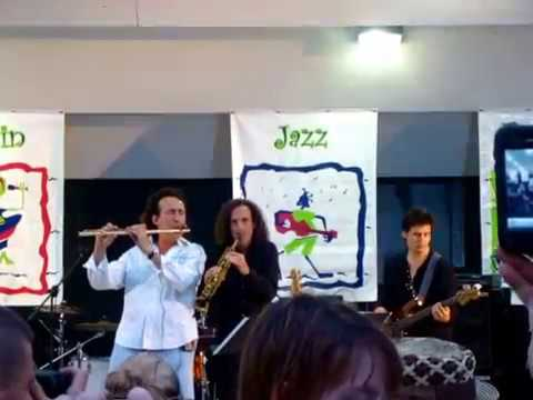 Alexander Zonjic ft. Kenny G (LIVE) - 'Little Sunflower' @ River Raisin Jazz Festival 2011