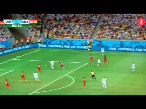 WK 2014 keeper Neuer germany throws ball wrong 89m