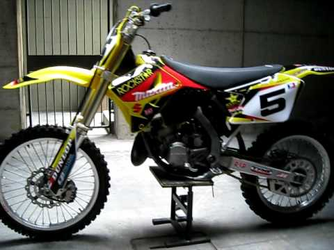 suzuki rm 125 valenti makita graphics 2010 - YouTube