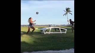 Clip Hot : Hot girl tâng bóng tuyệt đỉnh khiến danh thủ Neymar chật vật đối đầu