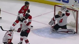 Blackhawks leave Devils' Kinkaid frustrated after scoring twice in 22 seconds
