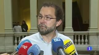 Javier Fernández sigue mirando más para los problemas de su partido