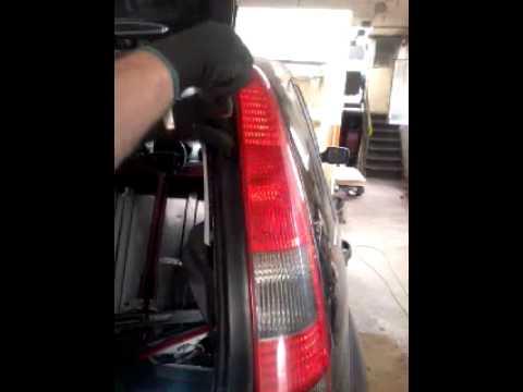 Ford Fiesta Demontaż Lampy Tył Www Miecinekpl