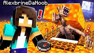 noob Girl FOUND Siren Head&#39s SECRET Minecraft Base!