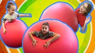 Dev Balonun İçine Girdik! - Sıkıştık Kaldık! -Oyuncak Avı TV ile