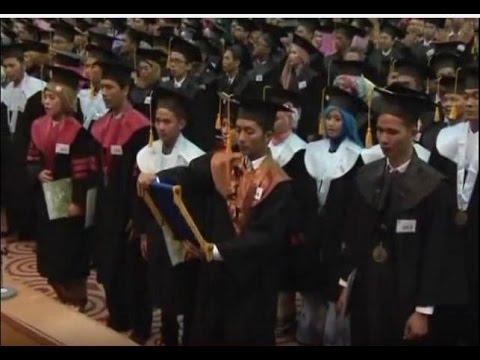 Wisuda Sarjana ke 94 UIN Syarif Hidayatullah Jakarta